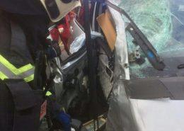 Frau bei Verkehrsunfall mit LKW schwer verletzt