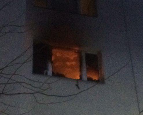 Bewusstloser Mann aus der Brandwohnung gerettet
