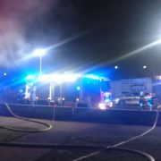 Brand im Kleingartenverein – Feuerwehr mit vier Löschleitungen im Einsatz
