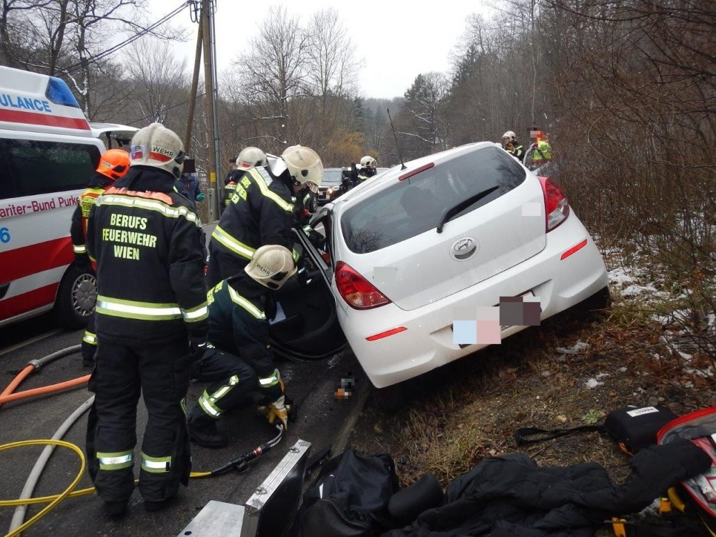 Verkehrsunfall fordert zwei Verletzte – ÖBFV