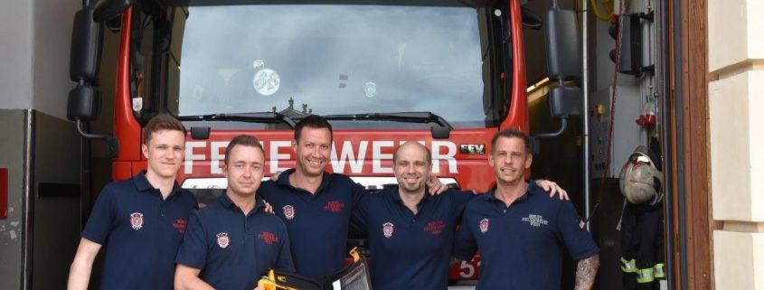 Erfolgreiche Reanimation durch Feuerwehrleute und Rettungskräfte nach plötzlichem Herzstillstand