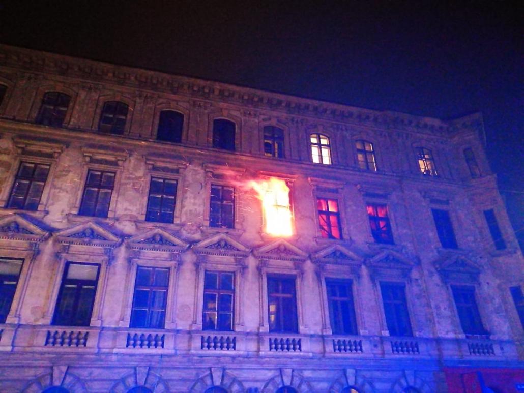 Wien 15 Brand In Einem Grunderzeithaus Obfv