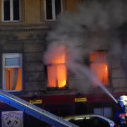 Wohnungsvollbrand – Menschenrettung mit Drehleiter